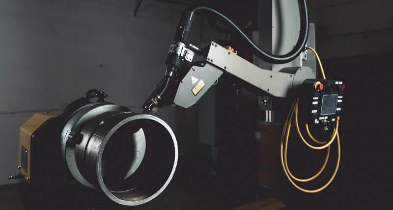 spool welding robotic arm in welding industry