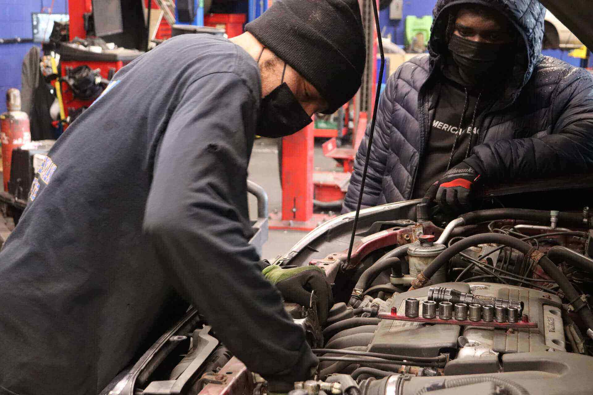 What Are The Top 10 Reasons To Become An Auto Mechanic?