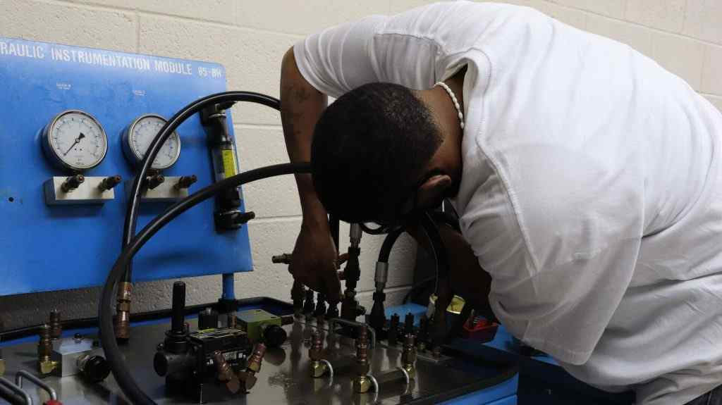 Students learns how to become electricians through manufacturing training in Philadelphia