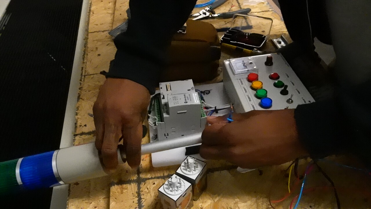 What Are Five Easy To Follow Steps To Become An Electrician?