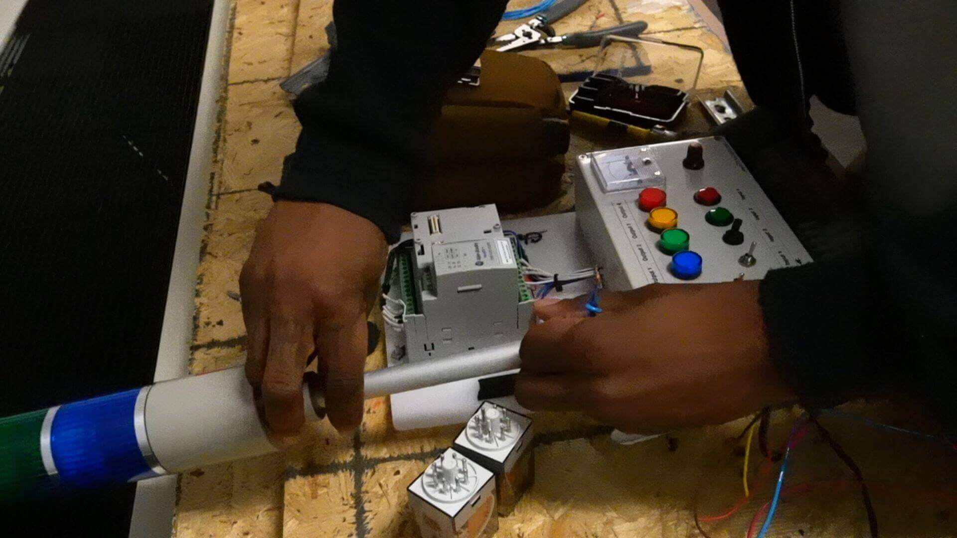 How Much Money Do Electricians Make?