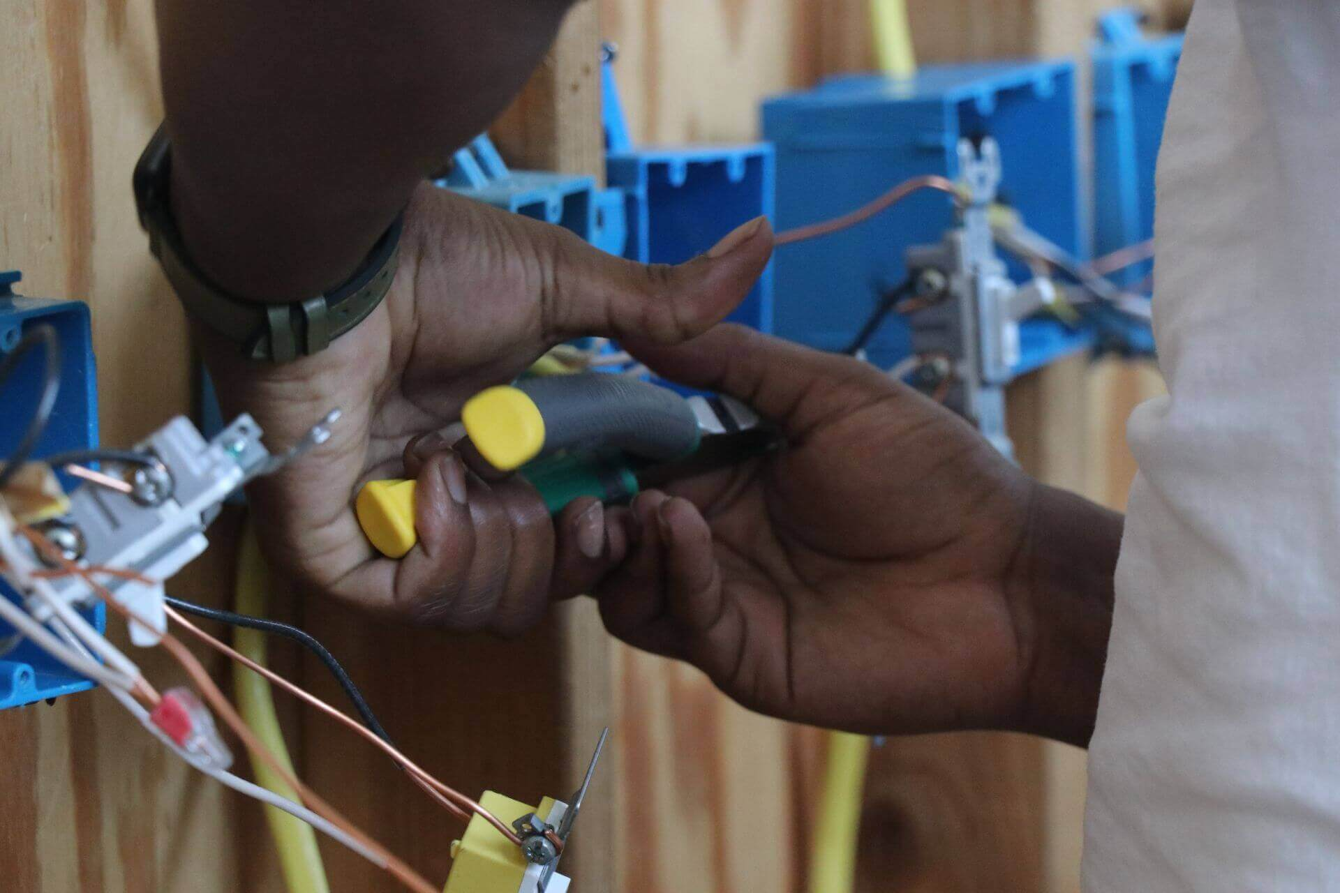 Top 10 Highest Paying US States For Electricians?